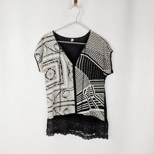 ANTHRO TINY black cream geo boho t-shirt lace hem
